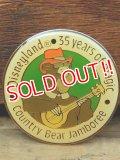 pb-909-10 Disneyland 35 years of magic Country Bear Jamboree / Zeke Pinback