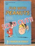 """bk-1001-18 PEANUTS / 1968 Comic """"FUN WITH PEANUTS"""""""