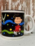 ct-110309-62 Lucy / 90's Ceramic Mug