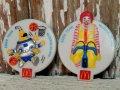 ct-141001-21 McDonald's / 1988 Ronald McDonald & Cosmc Plastic Badge 2p set