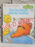 bk-160615-01 Sesame Street The Day Snuffy Had the Sniffles / 80's Little Golden Book