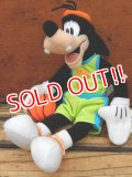 ct-130430-03 Goofy / Mattel 2000 Double Dribble Goofy Plush doll