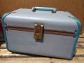 dp-130312-05 Vintage cosmetics case