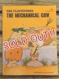 bk-140610-07 The Flintstones / The Mechanical Cow 1975 Picture Book