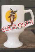 kt-180802-02 Wile E. Coyote / Federal 1970's Footed Mug