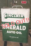 dp181001-02 SINCLAIR / EMERALD AUTO OIL 1960's 2 Gallons Can