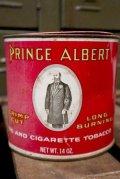 dp-181001-30 PRINCE ALBERT TOBBACO / Vintage Tin Can