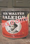dp-181001-25 Sir Walter Raleigh / Vintage Tobacco Can