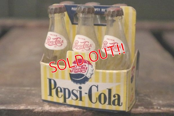 画像1: dp-181101-11 Pepsi / Vintage Miniature Bottle & Paper Carrier