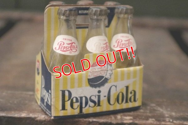 画像2: dp-181101-11 Pepsi / Vintage Miniature Bottle & Paper Carrier