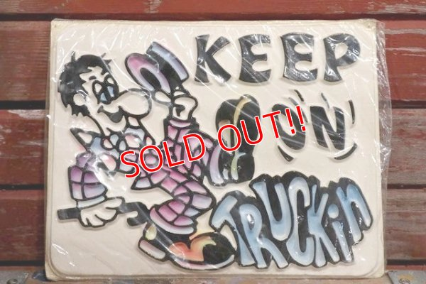 画像1: ct-190401-08 KEEP ON TRUCKiN / Plastic Sign
