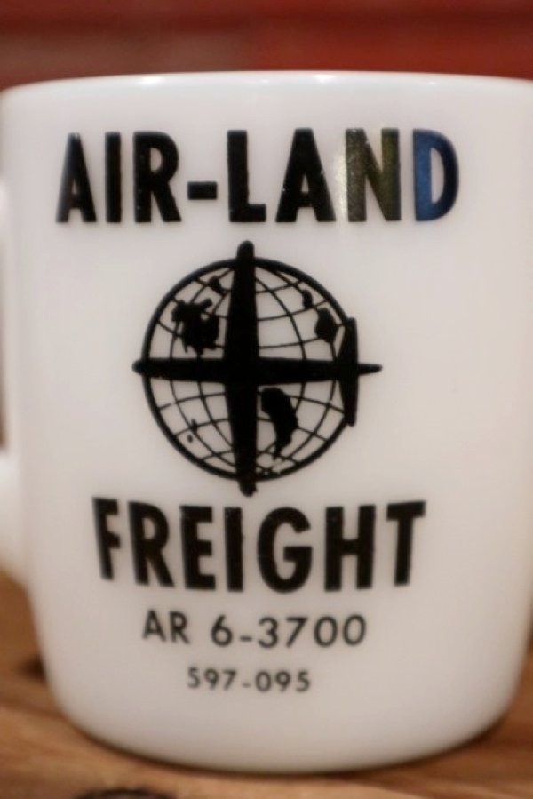 画像2: dp-190401-44 Unknown / Vintage AIR-LAND FREIGHT Milk Glass Mug