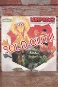 ct-190910-03 Sesame Street / SURPRISE! 1983 Record