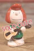 ct-191001-49 Peppermint Patty / 1970's Ceramic Musician Ornament Series