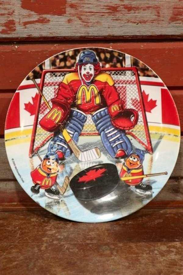 "画像1: ct-191101-29 McDonald's / 2000 Collectors Plate ""Hockey"""