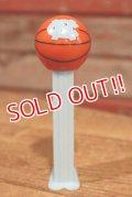 pz-160901-151 UNC University of North Carolina / 2008 Basketball Pez Dispenser