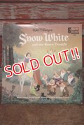 ct-191211-72 Snow White and the Seven Dwarfs / 1960's Record