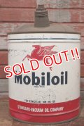 dp-201201-52 Mobiloil / 1950's 5 U.S.GALLONS Oil Can