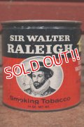 dp-181001-25 Sir Walter Raleigh / Vintage Tobacco Can