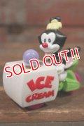 "ct-141001-34 Animaniacs / McDonald's 1994 Meal Toy ""Dot's Ice Cream Wagon"""