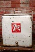 dp-211001-07 7up / 1950's Metal Cooler Box